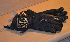 my swix gloves.jpg